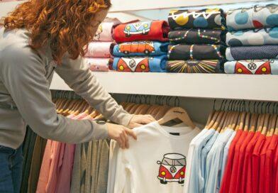 t shirt shopping